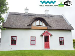Teac Chondai Thatched Cottage Donegal on ThatchFinder Self Catered Ireland Thatched Cottage