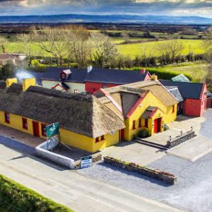 Thatched Pubs Ireland. Thatched Pub Restaurant Ireland