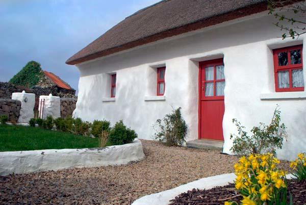 Spiddal Thatched Cottage