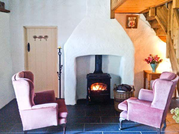Spiddal Thatched Holiday Cottage
