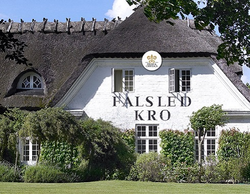 Stay in a Thatched Hotel - Find a Thatched Hotel
