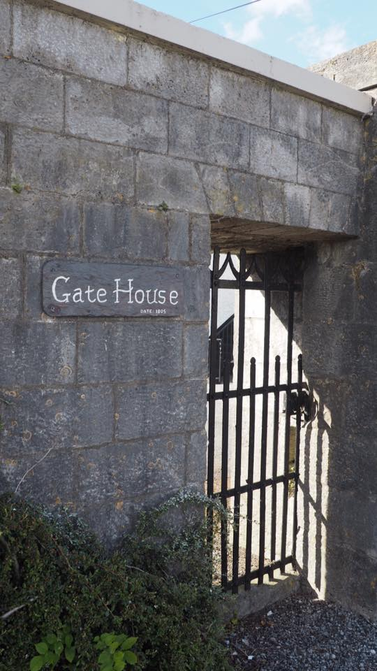 The gate House Vacation Cottage in Ireland's Villages - Rural Ireland