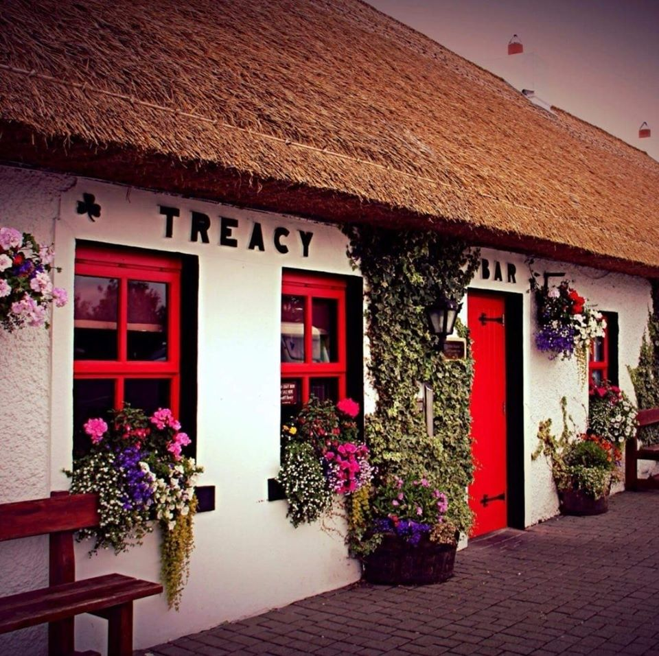 Thatched Pub in Ireland. Thatched Pub in Laois.