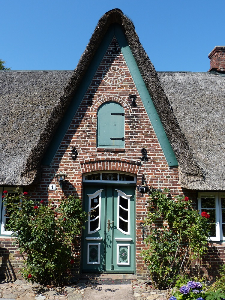 Photos of Thatch Roofs
